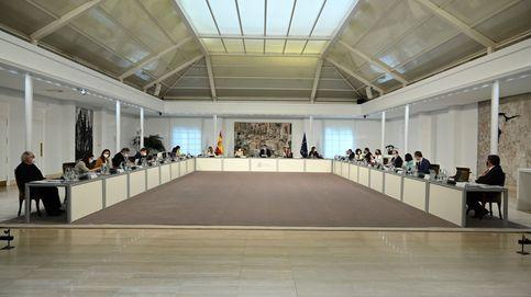El ordenanza despedido por Zapatero, Rajoy y Sánchez logra por fin su plaza fija en Moncloa