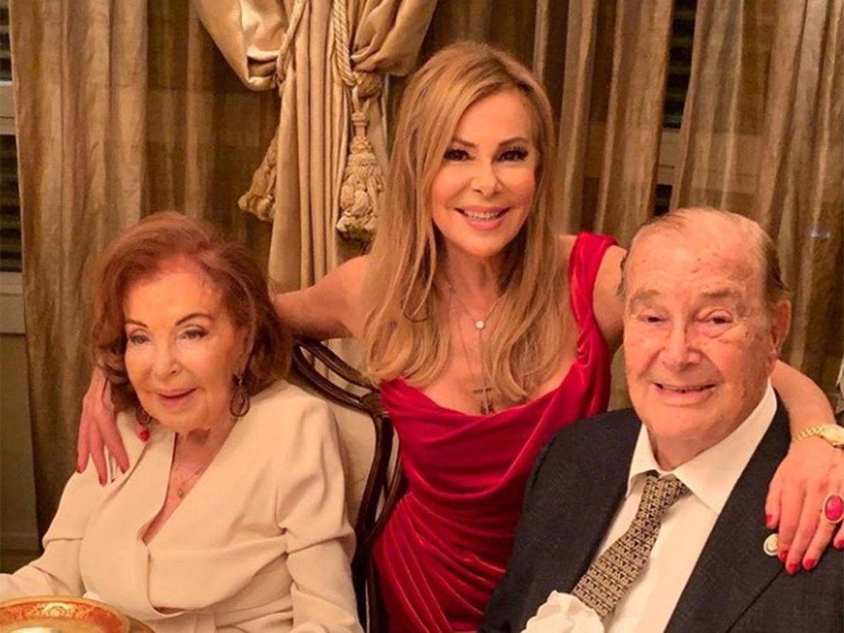 Foto: Ana Obregón, con sus padres. (Instagram @ana_obregon_oficial)