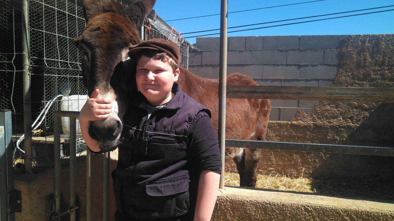 El niño payés de 12 años que sufría 'bullying' y ahora arrasa con sus vídeos rurales