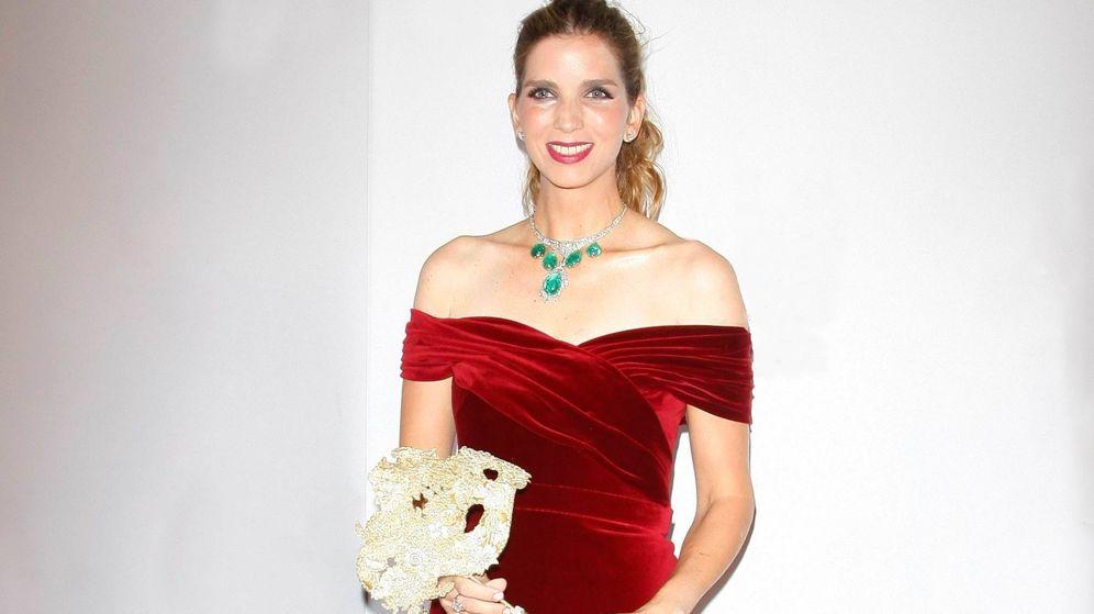 Foto: Margarita Vargas con el collar de esmeraldas de Carmen Franco. (Cordon Press)