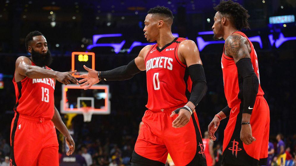 Foto: James Harden (i), Russell Westbrook (c) y Robert Covington, último fichaje de los Houston Rockets. (USA Today Sports)