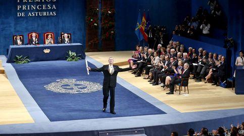 Abucheos a los ministros de Sánchez a su llegada a los Premios Princesa de Asturias