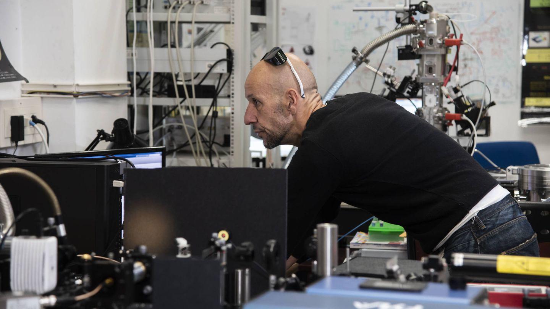 Tamayo, en su laboratorio. (Fundación BBVA)
