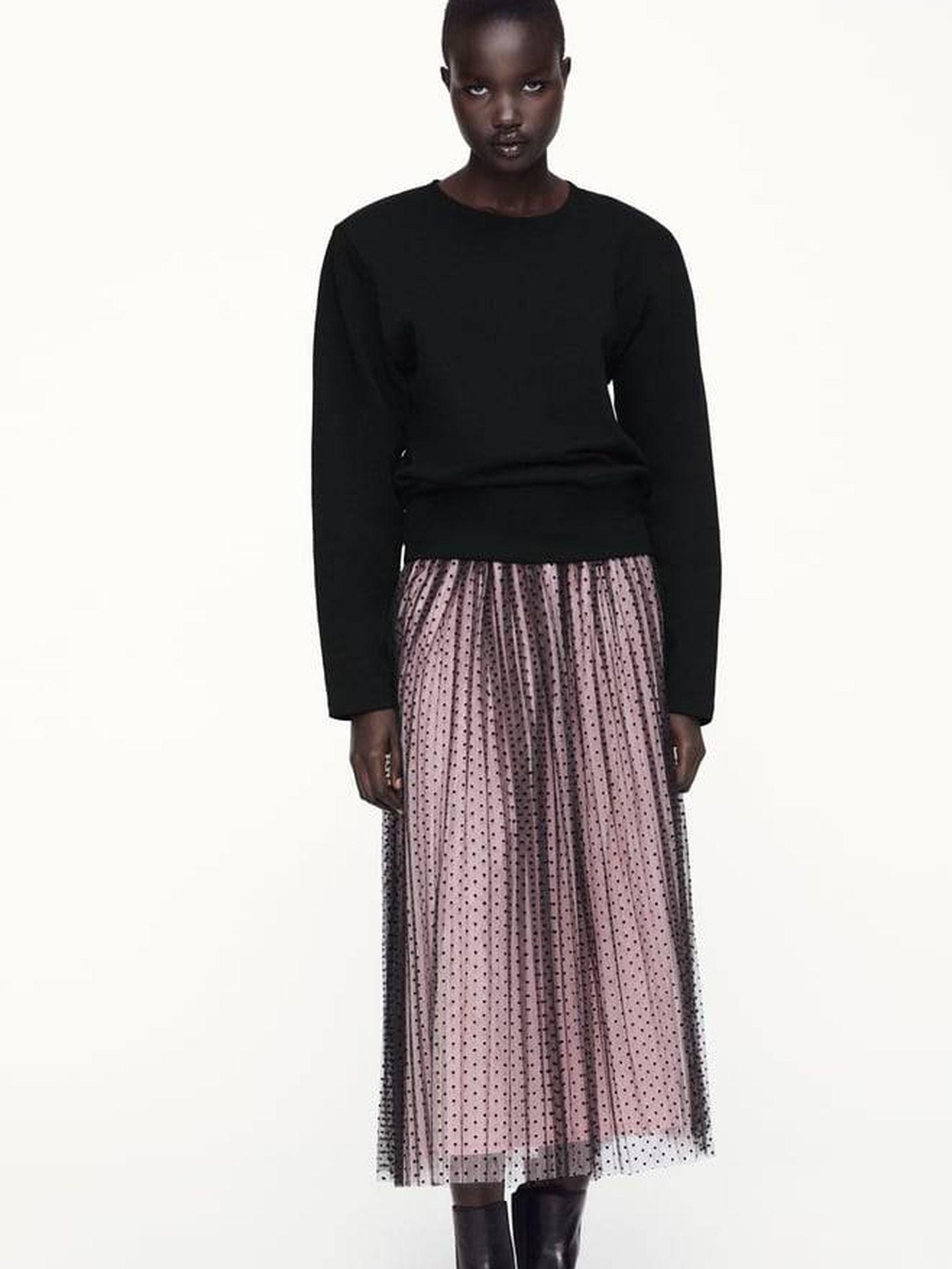 Falda romántica de Zara. (Cortesía)