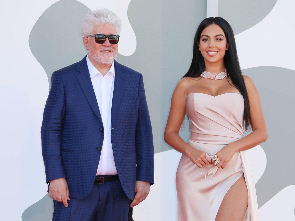 Foto: Pedro Almodóvar y Georgina Rodríguez. (Getty)