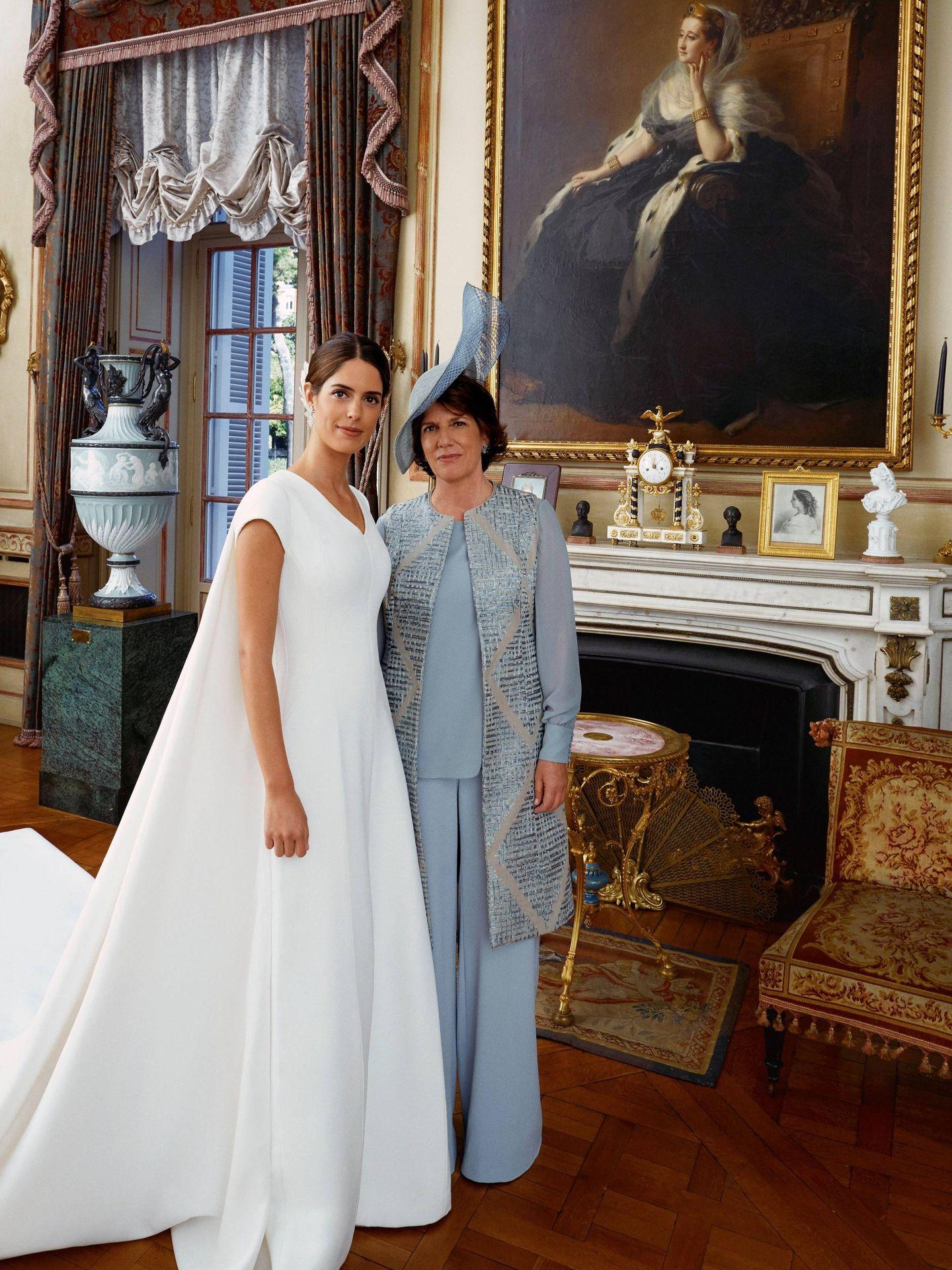Sofía Palazuelo y su madre, Sofía Barroso, el día de su boda. (Getty)