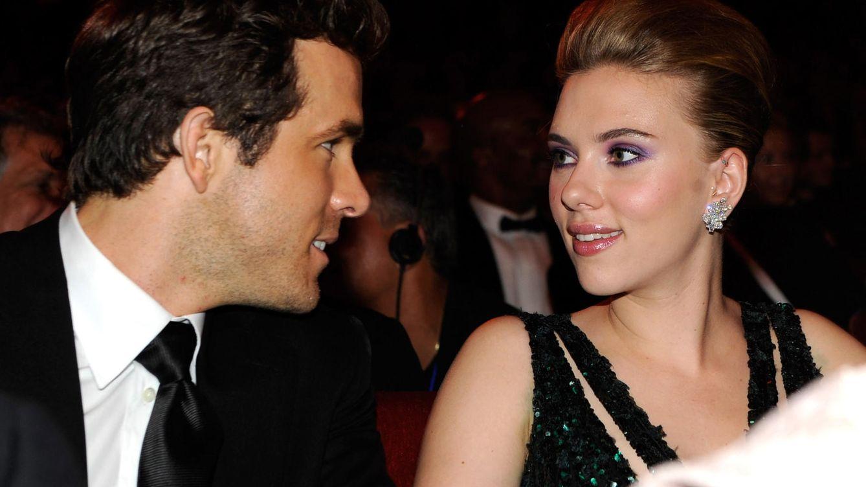 Foto: Ryan Reynolds junto a Scarlett Johansson en una imagen de archivo