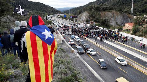 Tsunami Democràtic y los CDR bloquean la frontera Francia-La Jonquera por la AP7