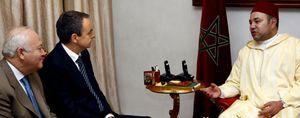 Marruecos recibe a Zapatero con una veintena de banderas del Reino y una minúscula española