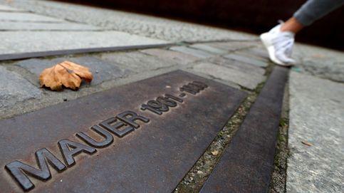 Aniversario de la caída del muro de Berlín y nevadas en Cantabria: el día en fotos