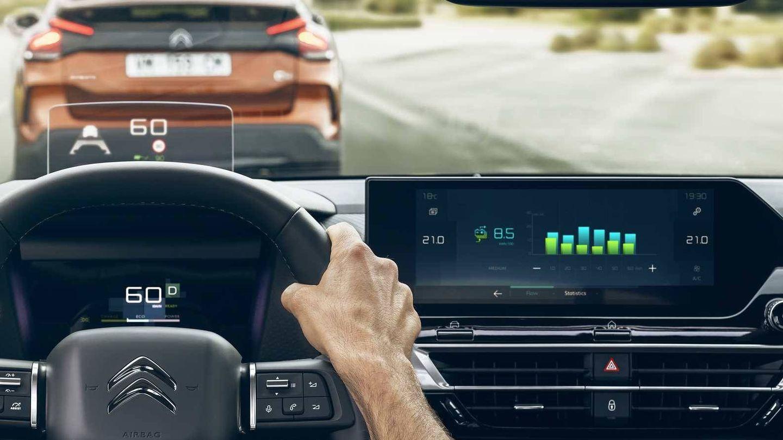 El nuevo C4 incluye los últimos sistemas de ayuda a la conducción y también el 'head up display'..