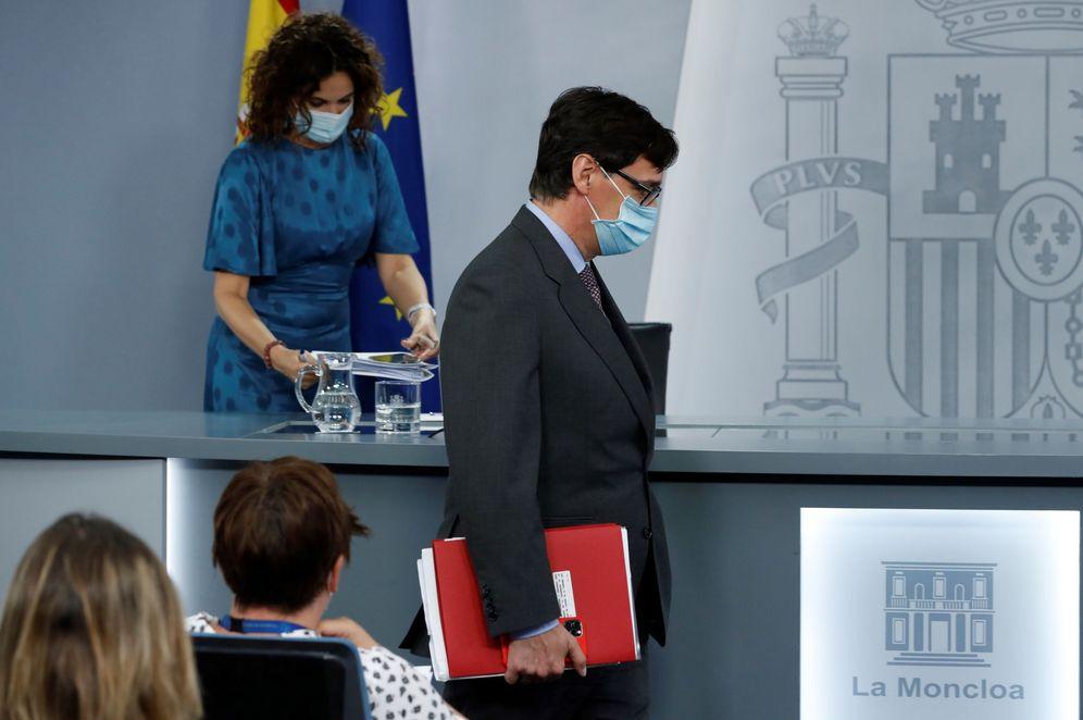 Foto: Los ministros de Hacienda y Sanidad, María Jesús Montero y Salvador Illa, este 14 de julio en la Moncloa. (EFE)