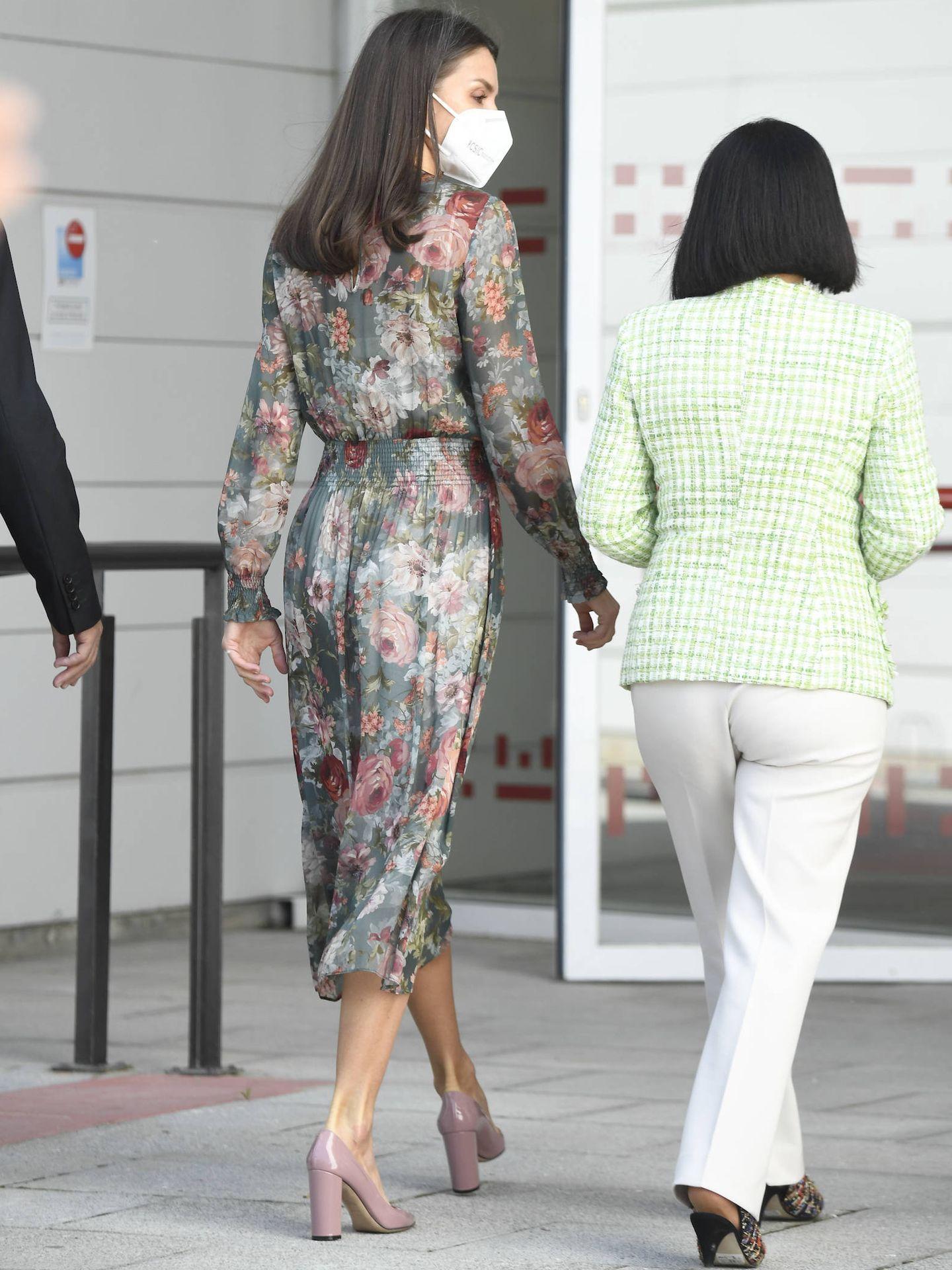 La Reina, con la ministra. (LP)