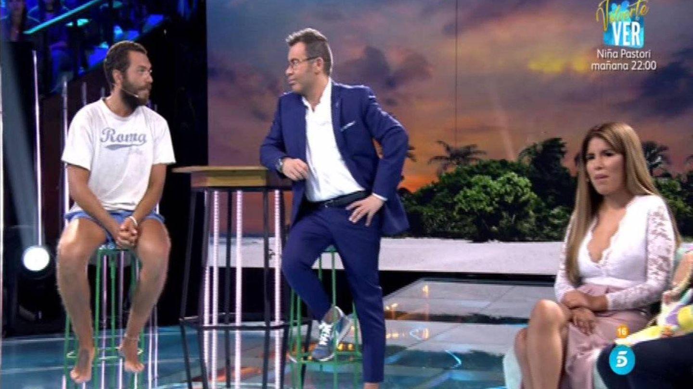 Alberto Isla y Chabelita discuten en 'Supervivientes'. (Telecinco)