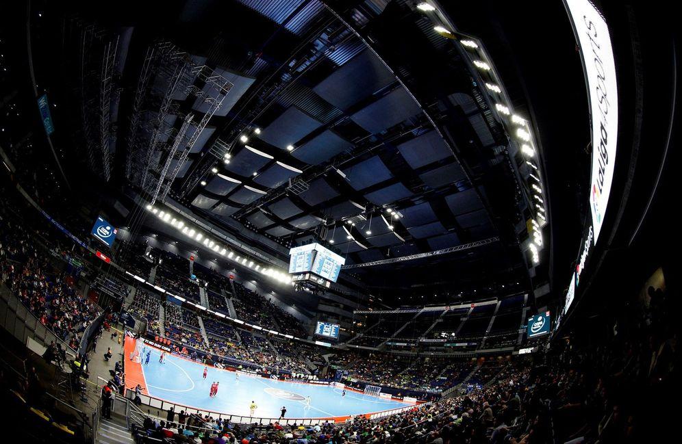 Foto: Vista del pabellón WiZink Center de Madrid durante un partido de fútbol sala. (EFE)