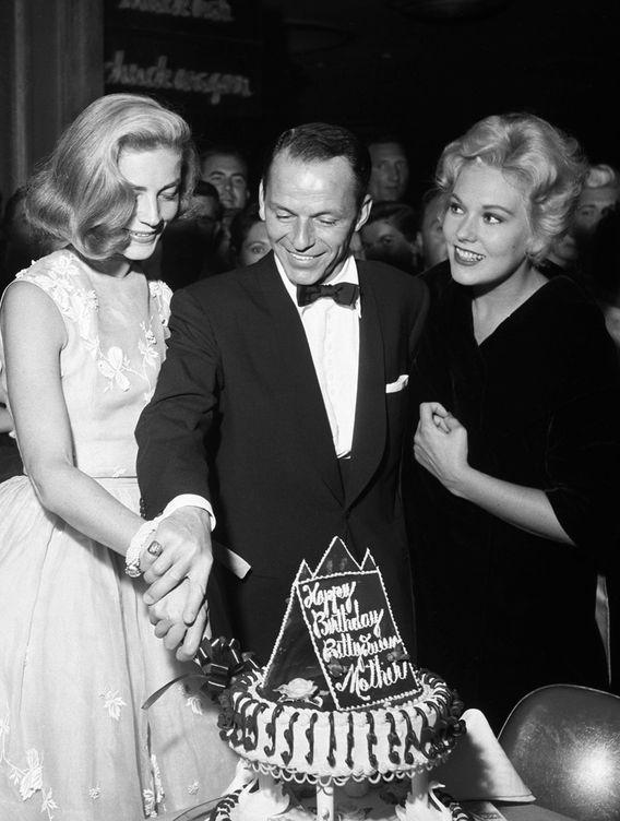 Foto: Sinatra en un cumpleaños (EFE)