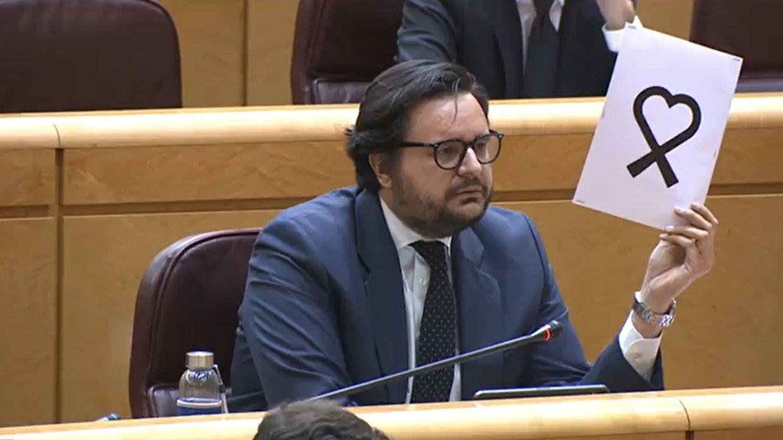 El PP exige a TVE que rectifique y sustituya de manera urgente el lazo negro: Es una vergüenza
