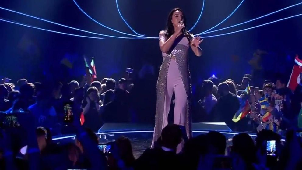 Un espontáneo enseña el culo durante la actuación de Jamala en Eurovisión 2017