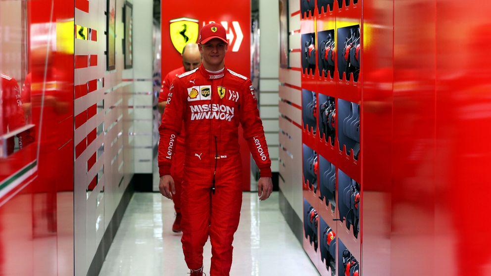 Cómo Mick Schumacher y su madre Corinna roban el foco a Fernando Alonso por un día