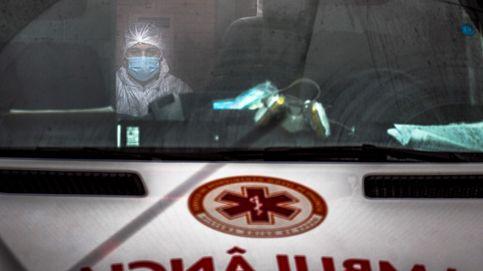 Despedido por poner en la ambulancia 'El novio de la muerte' durante el aplauso