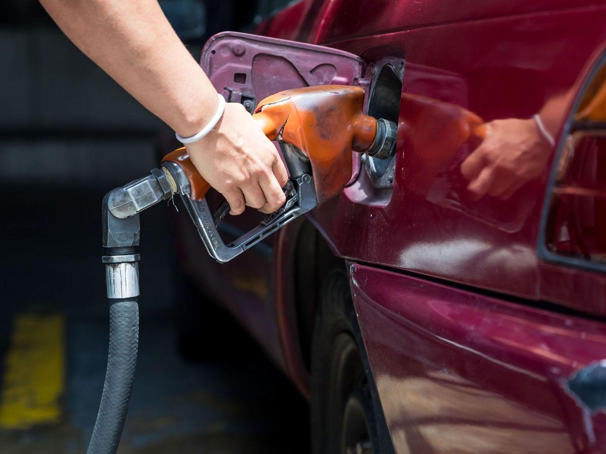 Foto: Vuelve a subir el precio del combustible. (EFE)