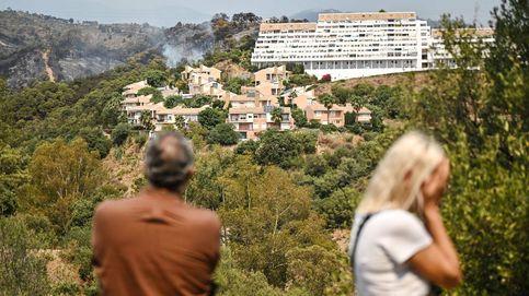 Vidas encadenadas por el fuego: el miedo y la angustia de los evacuados en Málaga