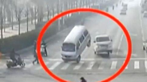 ¿Por qué vuelan estos coches? Resuelto el misterio de los coches que 'levitan' en China