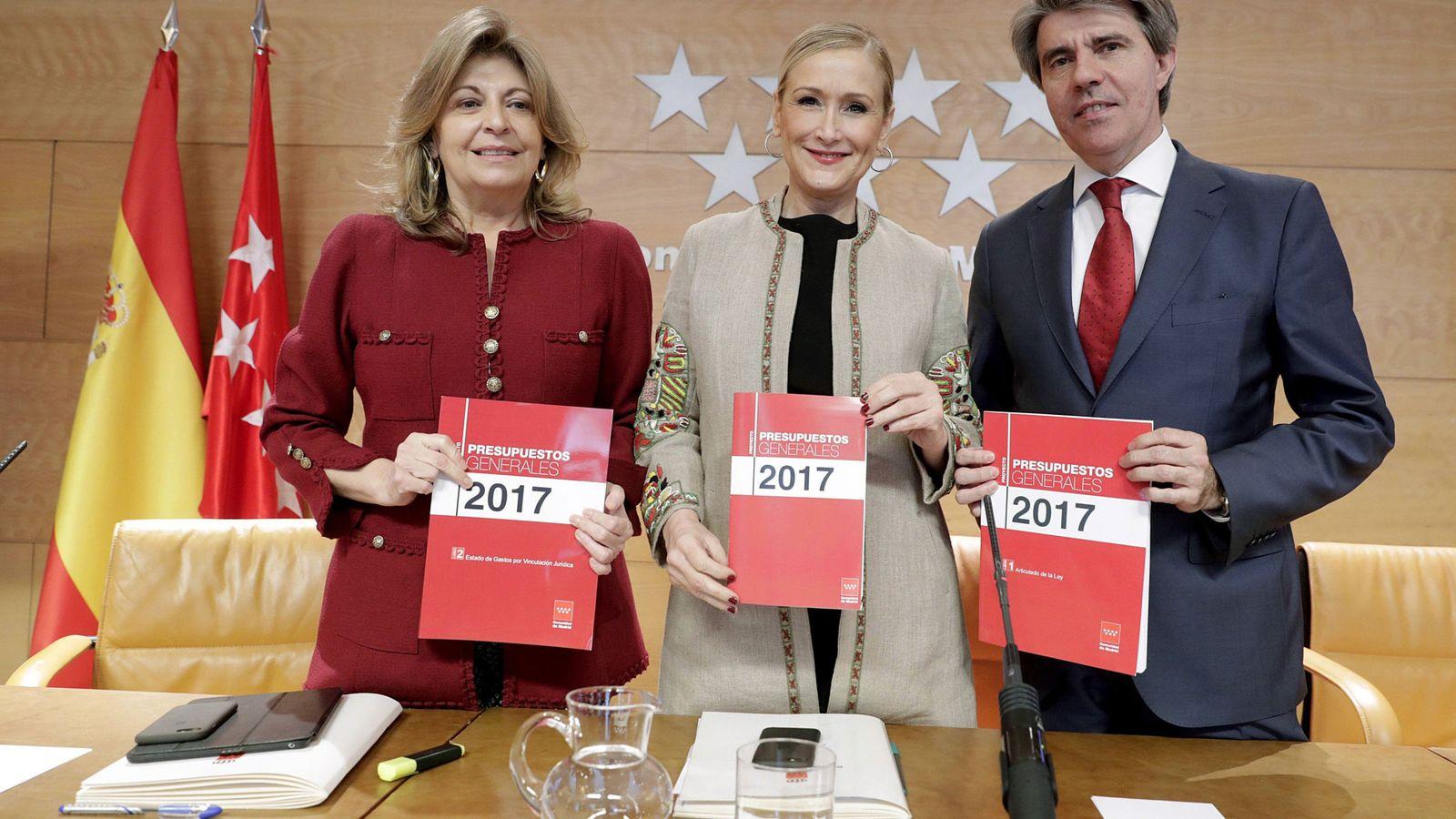 Foto: La presidenta de la Comunidad de Madrid, Cristina Cifuentes, durante la presentación de los presupuestos regionales para 2017. Foto: Efe.