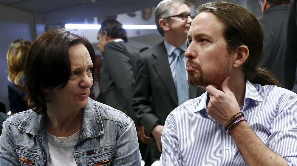 Foto: Carolina Bescansa y el líder de Podemos, Pablo Iglesias. (Reuters)