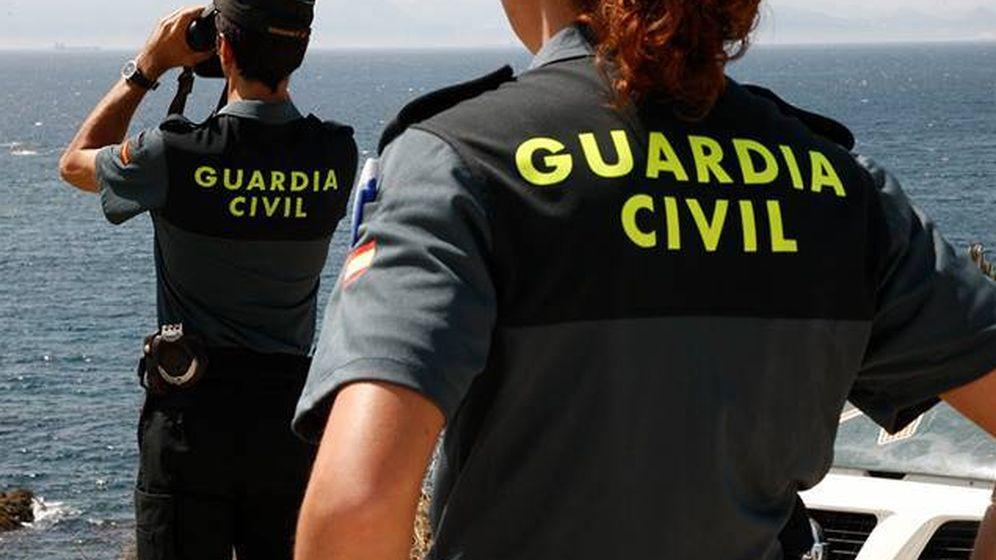 Foto: Dos agentes de la Guardia Civil (Guardia Civil).