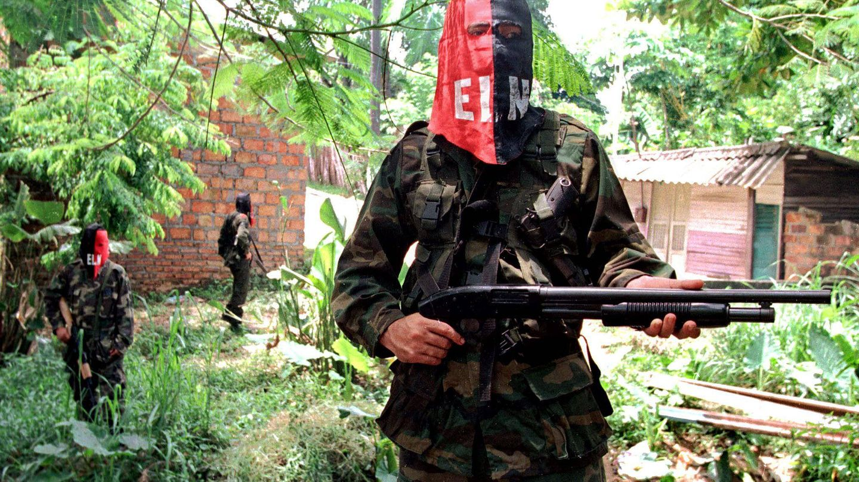 Combatientes del ELN en 1998. (EFE)