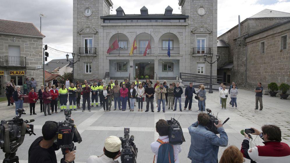 Foto: El Ayuntamiento de Alpedrete, la localidad madrileña donde se produjo el robo (EFE/David Gonzalez)