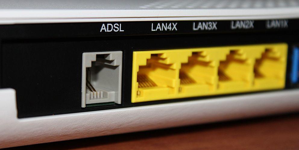 Foto: Una multa por no devolver el 'router' que resulta inevitable (además de ilegal)