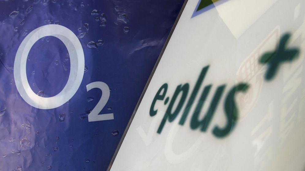 Foto: Logo de O2 Deutschland y E-Plus. (Reuters)