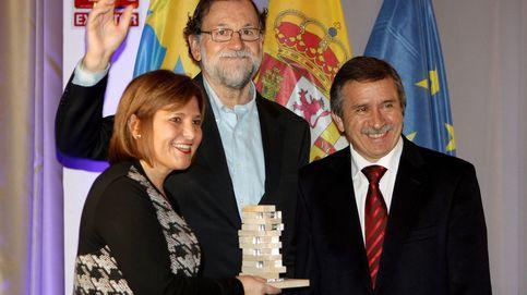 Rajoy recibe un premio por ser valiente a favor de la Constitución