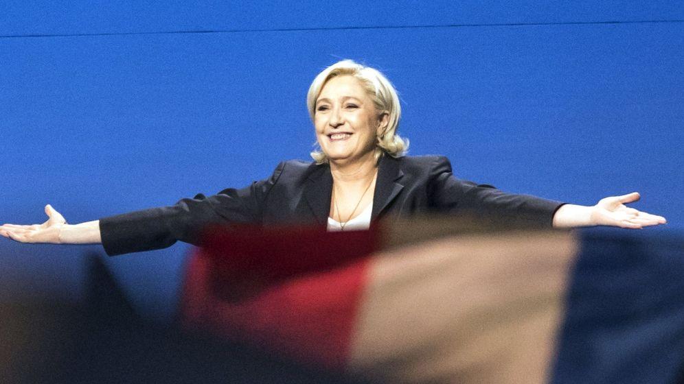 Foto: La líder del Frente Nacional (FN), Marine Le Pen, ofrece un discurso durante un mitin en Villepinte en el norte de París (Francia).