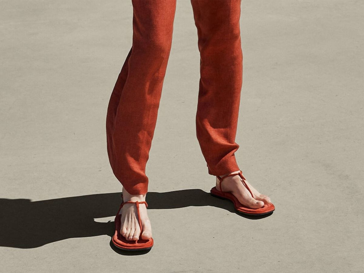 Foto: Sandalias planas de Massimo Dutti. (Cortesía)