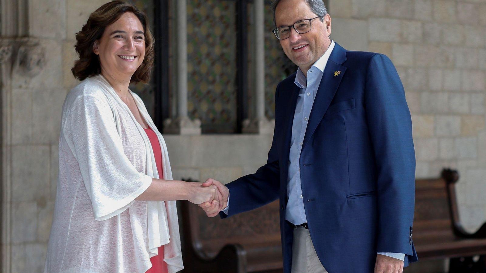 Foto: Colau y Torra a su salida de su reunión el pasado julio. (EFE)