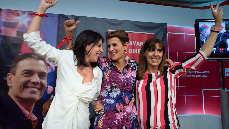 Chivite, en el centro, celebra los resultados electorales este domingo. (EFE)