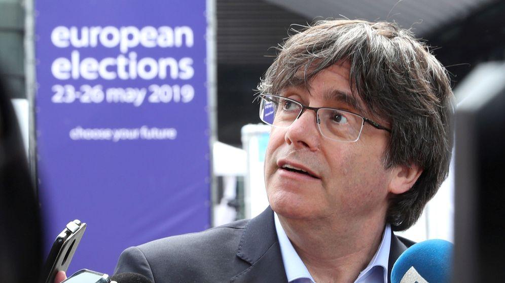 Foto: El expresidente de la Generalitat, ante los medios en Bruselas. (Reuters)