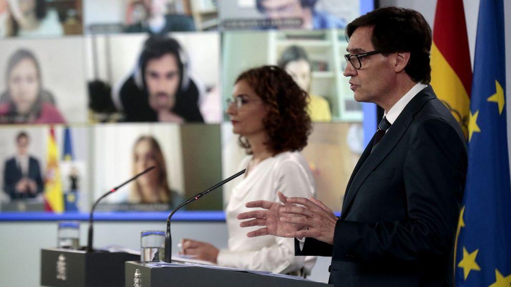 Foto: La ministra de Hacienda, Maria Jesus Montero, y el ministro de Sanidad, Salvador Illa. (EFE)