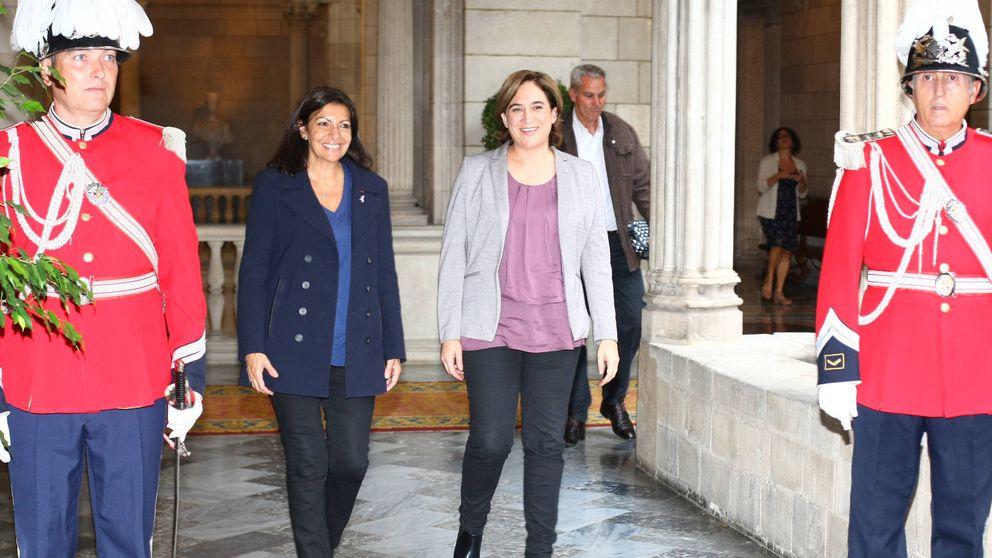 Anne Hidalgo y Ada Colau: dos alcaldesas y dos estilos