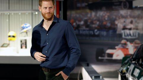 En avión privado y por papeleo: la vuelta del príncipe Harry a UK
