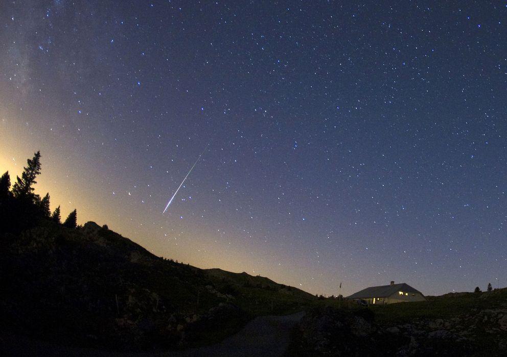 Foto: Un meteorito llega a la atmósfera en la época de las Perseidas. (Corbis)