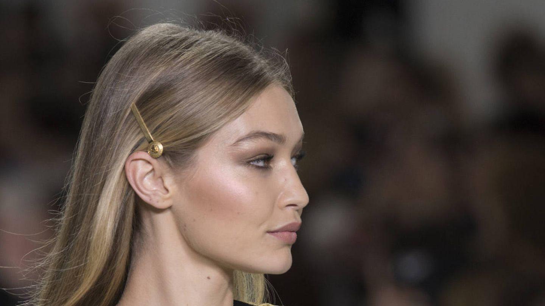 Gigi Hadid en el desfile de Versace (Gtres)