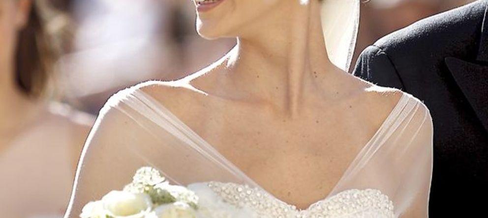 Disfraces y tiaras de Miss Universo en la boda de Carlos Baute y Astrid Klisans