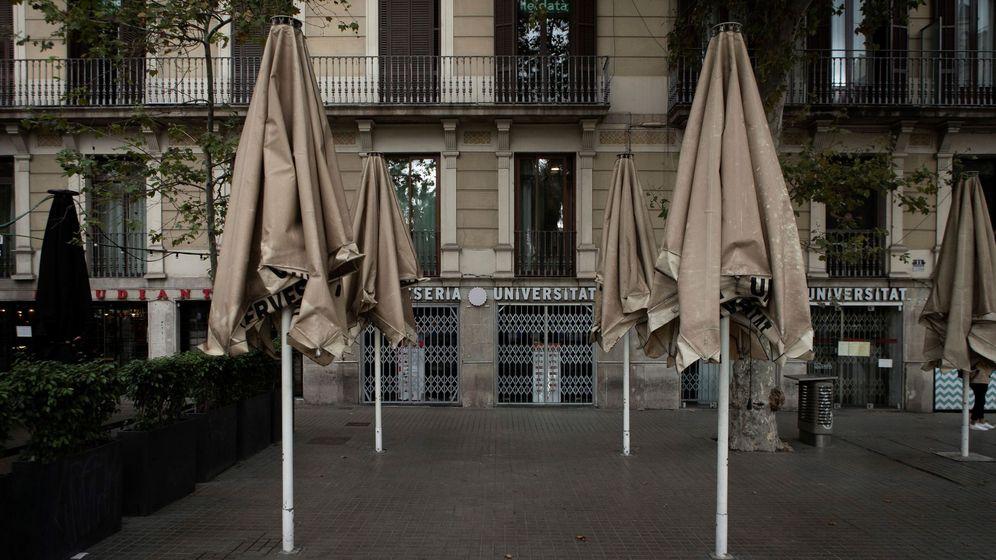 Foto: Una terraza de la céntrica plaza Universidad, de Barcelona. (EFE)