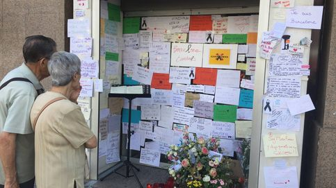 Madrid improvisa un altar para rendir homenaje a las víctimas de Barcelona y Cambrils