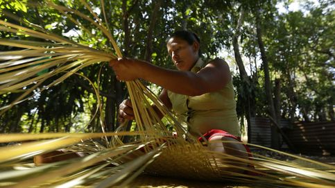 Mujeres de El Salvador luchan por el arte del petate