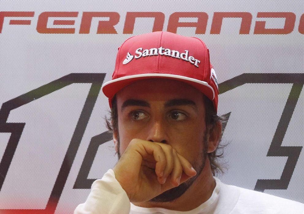 Foto: Fernando Alonso, en su box del anterior GP de Singapur.